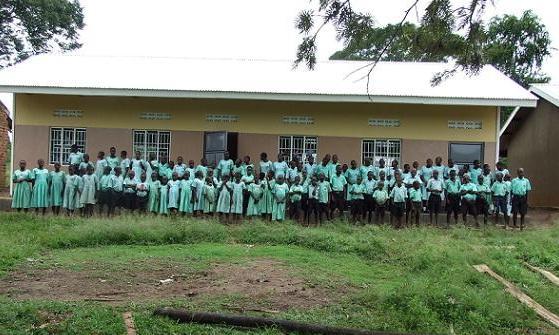Auch die Renovierung dieser Schule wurde vom Verein