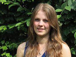 Christina Schaffrinski wird Trägerin des Kirmeskrönchens