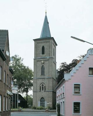 St. Martinus, Neuss-Holzheim