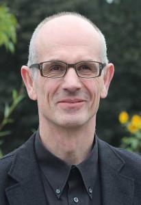 Kantor Bert Schmitz leitet den Kammerchor.