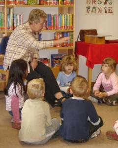 In den katholischen öffentlichen Büchereien werden unter anderem Leseförderprojekte für Kinder angeboten.