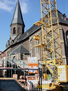 Großbaustelle an der Kirche St. Cyriakus. Foto: TZ