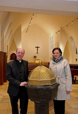 Monsignore Guido Assmann und Architektin Angelika Teske-Naumann. Foto: TZ