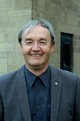 Pater Jos Houben kann im August die Leitung der Grevenbroicher Seesorgebereiche abgeben. Foto: TZ