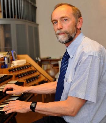 Kantor Führer setzt auf die Fortbildung seiner Sängerinnen und Sänger.
