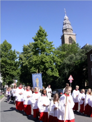 NACHGEFRAGT: Was feiert die Kirche an Fronleichnam?