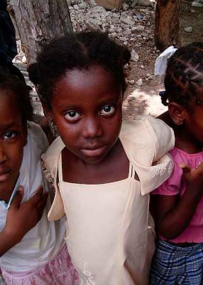 Die Spiritaner helfen Kindern in Haiti.