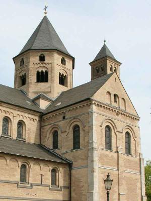 Neben der Knechtstedener Basilika öffnet der Klosterladen. Foto: TZ