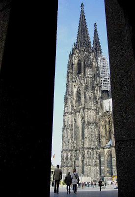 Auch zum Kölner Dom fahren die Dormagener. Foto: TZ