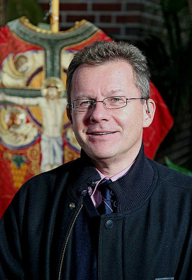 Pfarrer Klaus Koltermann leitet die neue Gesprächsreihe in Nievenheim. Foto: TZ