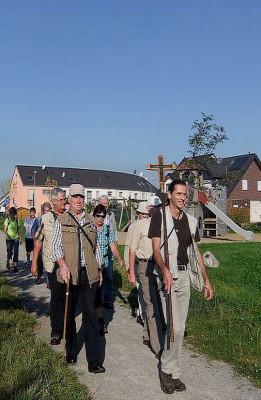 Pilger vom Gilbach auf dem Weg zum Kölner Dom.
