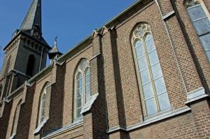 Zum 125-jährigen Bestehen der Pfarrgemeinde in Evinghoven wird die Kirche St. Antonius zum Kino-saal. Foto: TZ