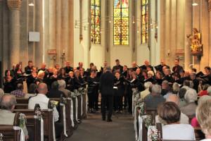 Kammerchor in Aktion: In der Knechtstedener Basilika fand ein begeisterndes Konzert statt.