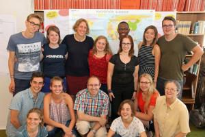 Fröhliche Missionare auf Zeit: In Knechtsteden wurden die jungen Leute auf ihren Aufenthalt in Lateinamerika oder Afrika vorbereitet. Foto: TZ