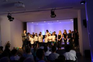 Der Raphaelshaus-Chor begeisterte in dem katholischen Jugendhilfezentrum.