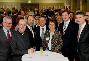 Neujahrsempfang (von links): Cornel Hüsch, Monsignore Assmann, Walter Pesch, Landrat Petrauschke, Dr. Ulrike Nienhaus, Tim Kurzbach und Dr. Jörg Geerlings.