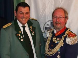 Pfarrer Ehrlich (links) und Bezirksbundesmeister Kuck.