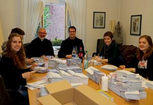 Unter Leitung von Pfarrer Stelten und Bruder Natanael wurde die Dormitio-Aktion vorbereitet. Foto: TZ