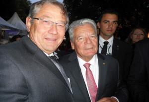 Caritas-Koordinator Heinz Schneider aus Dormagen traf mit Bundespräsident Gauck zusammen.