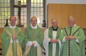 Msgr. Assmann, Pfr. Hintzen, Pfr. Nienaber und Msgr. Korfmacher (von lilnks nach rechts)