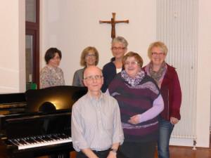 Lothar Bremm und der neuen Vorstand des Kirchenchores.