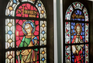 Kirchenfenster ganz nah: Ausstellung im Kloster. Foto: TZ