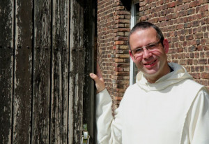 Pater Gregor fühlt sich in Langwaden wohl. Foto: TZ