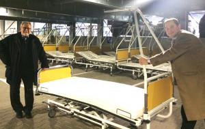 Johanna-Etienne-Krankenhaus spendet Betten für Rumänienhilfe