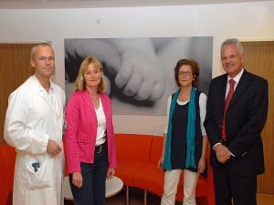 Dr. Karl-Günter Noé, Karin Kloeters, Martina Roeseling und Verwaltungsdirektor Harald Schmitz (v. l.).