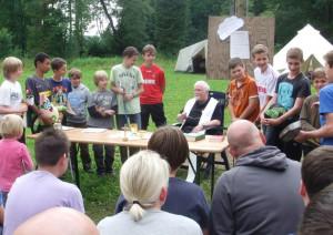 Feldgottesdienst beim Hoeninger Zeltlager in Hermeskeil.