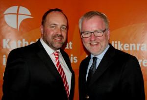 Stabwechsel: Walter Pesch (links) und Cornel Hüsch.