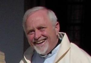 Monsignore Freericks ruft zur Mitarbeit auf.