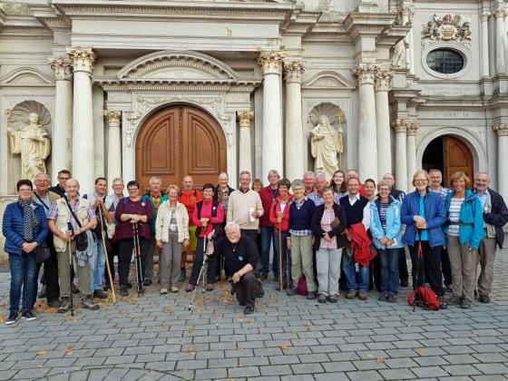 Am Ziel angekommen: die Trier-Pilger aus der Pfarrgemeinde St. Peter in Rommerskirchen.