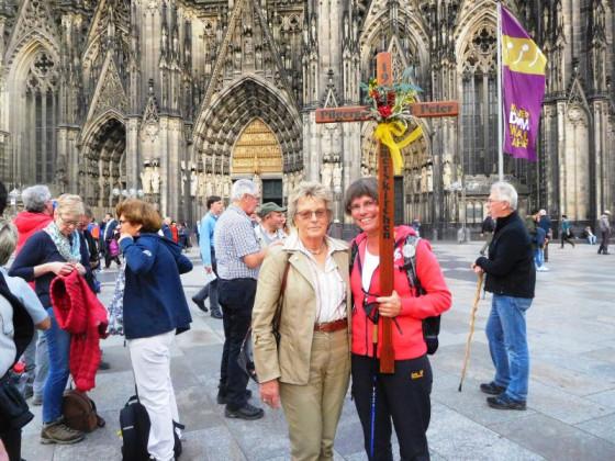 Von Rommerskirchen nach Köln: Pilgerinnen vom Gillbach.