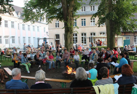 Liedersingen am Lagerfeuer: In Knechtsteden war dies jetzt wieder möglich.