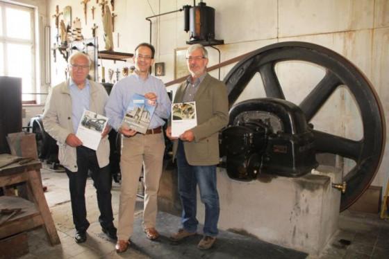 Knechtsteden-Kalender 2017: die Vorstandsmitglieder Hermann-Josef Lenz (Vorsitzender), Stephan Großsteinbeck (Öffentlichkeitsarbeit) und Willi Bednarczyk (Schatzmeister).