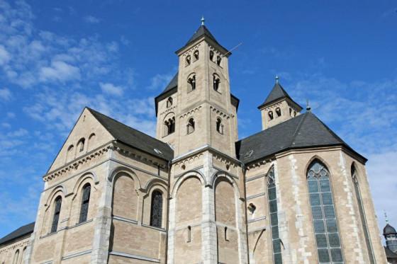 Auch am Pfingstfest ein gernbesuchtes Ziel: die Basilika des Klosters Knechtsteden. Foto: TZ