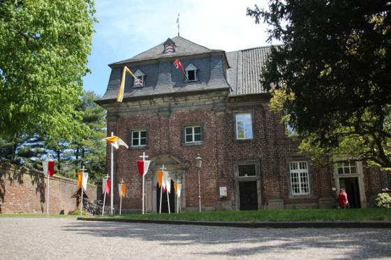 Im Nikolauskloster bei Glehn geht es zu Pfingsten erstmals etwas ruhiger zu.