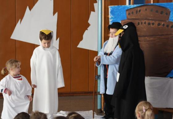 Pinguine auf der Arche: Theater am Kronenpützchen.