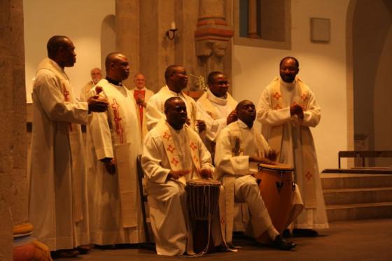 Bei dem letzten Tag für die Freunde und Förderer der Spiritaner fand nicht zuletzt die von den afrikanischen Mitbrüdern gestaltete Abschlussmesse großen Anklang