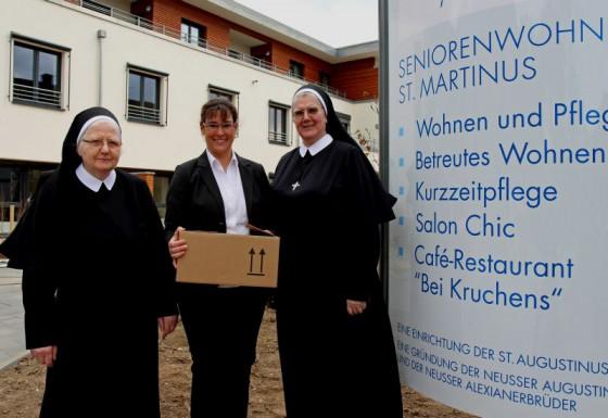 Einzug: die Schwestern Tarcisia und Celina sowie Nadja Pienkowski. Foto: TZ