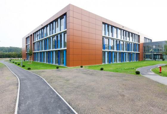 So sieht das neue Klinikgebäude in Osterath aus.
