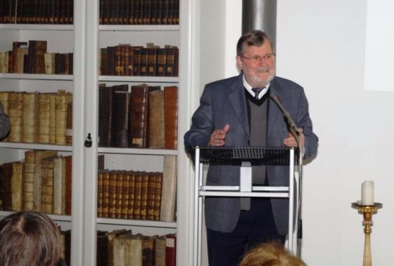 Pater Bruno Trächtler bedankte sich beim Förderverein.