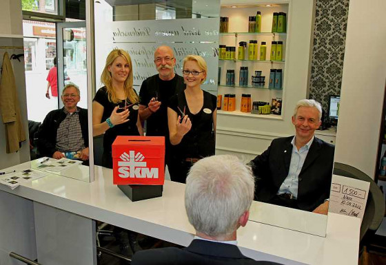 Bei den Friseuren (von links): Klaus Winkels, Sabine Iserhardt, Felix Gräber, Bianka Wenzel und Franz Eßer. Foto: TZ