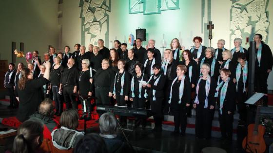 Gospelkonzert: Fast 2000 Euro für Frauen in Not