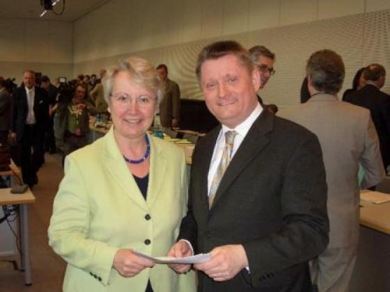 Dr. Annette Schavan und Hermann Gröhe bei einer Veranstaltung der örtlichen CDU (Foto: NGZ).