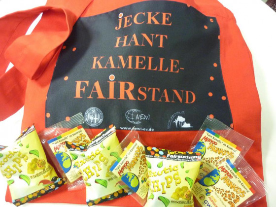 NEWI verteilt wieder Faire-Kamelle-Büggel