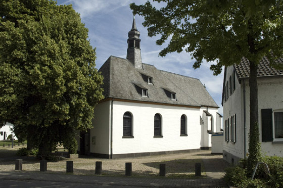 Niederdonker Kapelle bekommt Toilettenanlage