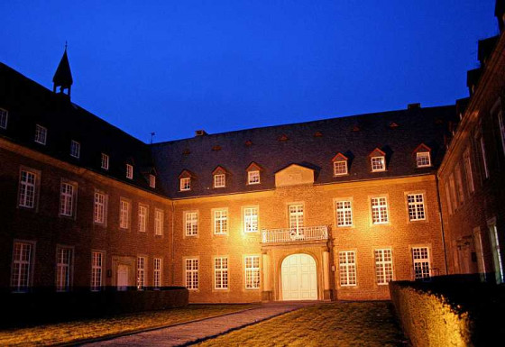 Im Zisterzienser-Kloster Langwaden erklingt auch 2020 wieder hochkarätige klassische Musik. Foto: TZ