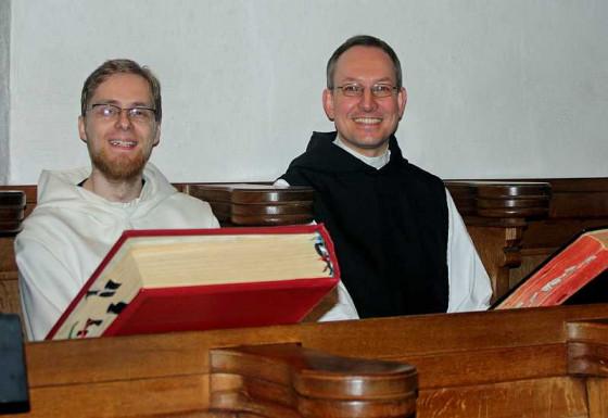 Prior Pater Bruno Robeck (rechts) und Frater Matthias Malek. Foto:TZ